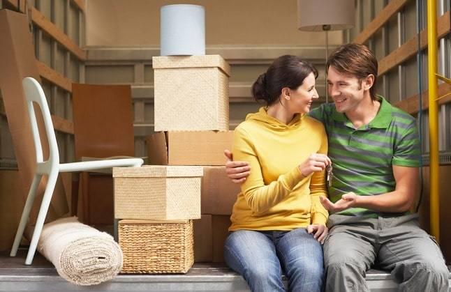 Грузовик - муж и жена - коробки для переезда квартиры